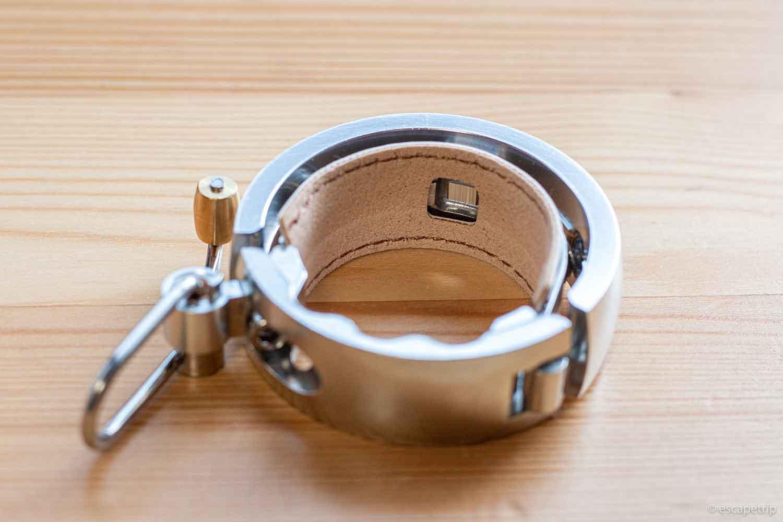 knogのベル「Oi LUXE」の裏側の革
