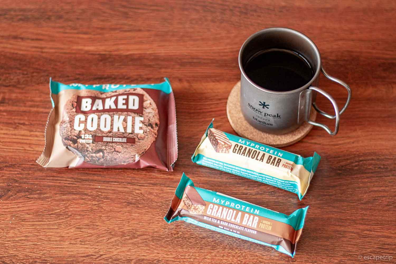 プロテインクッキーとコーヒー