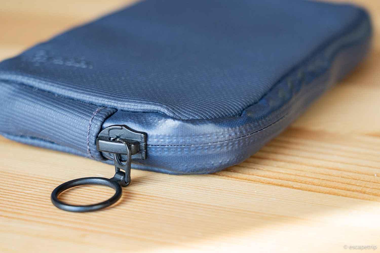 Raphaの財布のジッパー部分