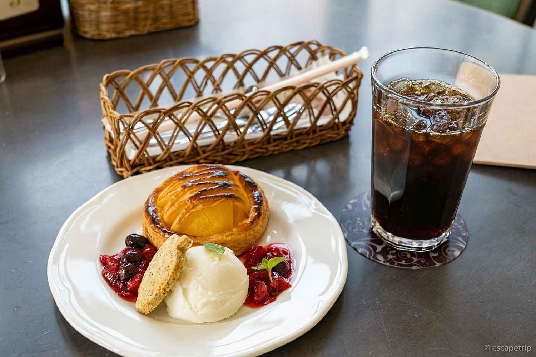 大正浪漫喫茶室のアップルパイセット