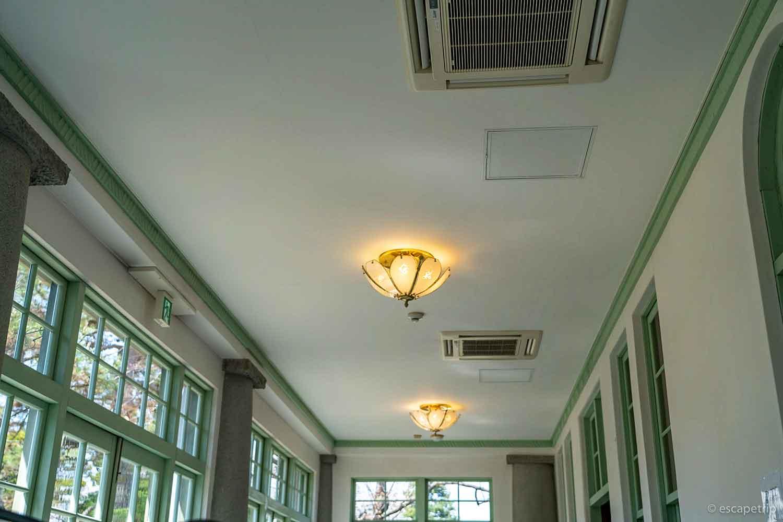 大正浪漫喫茶室の天井